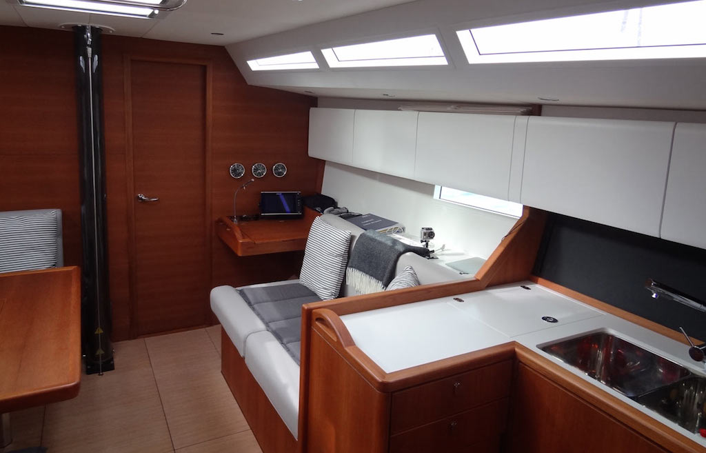 SOLARIS 42 RACE SWISS (4)