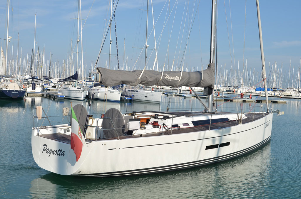SOLARIS ONE 44 PAGNOTTA BROKERAGE(17)