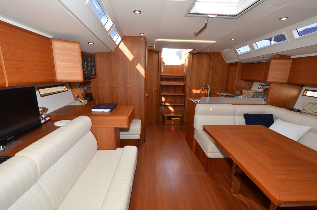 SOLARIS ONE 44 PAGNOTTA BROKERAGE(42)